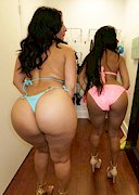 Big booty babes in a fitting room