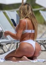 PAWG in a bikini