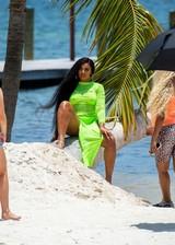 Thick bikini babes