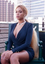 Beyonce got sexy legs