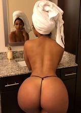 Big booty babe in string panties