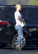 Iggy Azalea in jeans