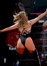 Jennifer Lopez ass in concert