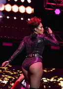 Sexy concert by Jennifer Lopez