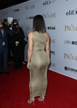 Kim Kardashian is curvy