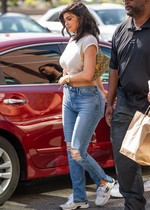 Kylie Jenner in jeans