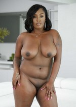 Curvy ebony porn star