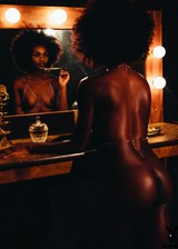 Nude ebony Playmate