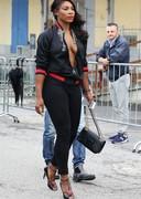 Serena Williams cleavage