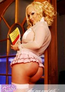 Sexi Barbie is a sexy schoolgirl