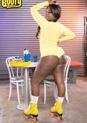 Big booty roller girl