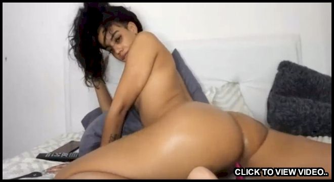 Homegrown latina masturbating