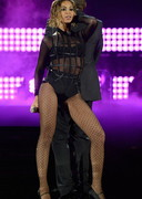 Beyonce Performs at the Grammys!